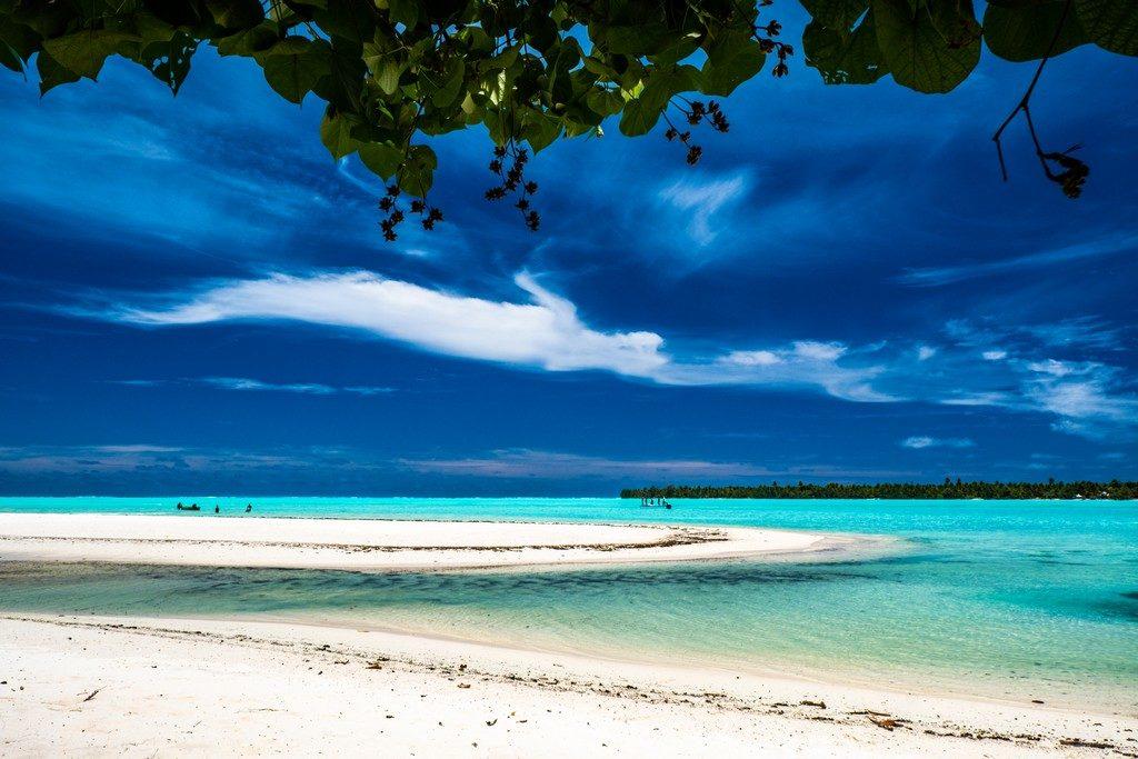 spiaggia bianca e mare