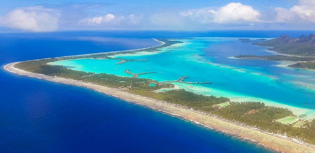 vista aerea della laguna con overwater