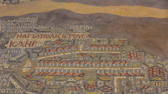 pezzo di mosaico a pavimento