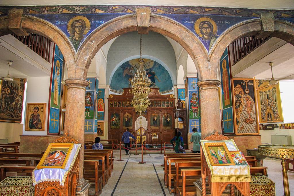 interno di una chiesa ortodossa