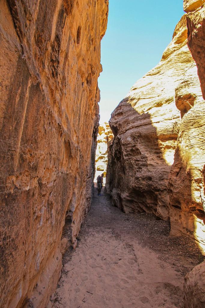 stretto passaggio nel canyon