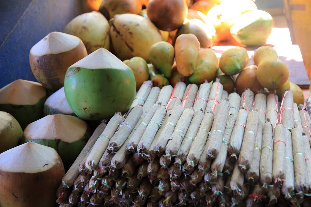 frutta in vendita al mercato di male