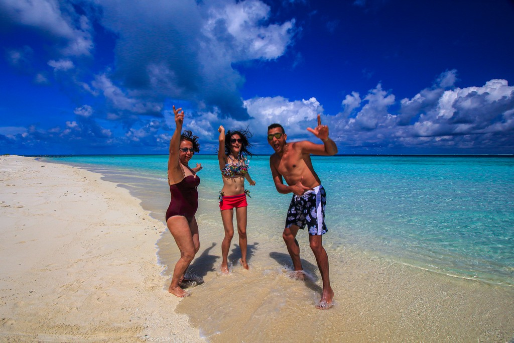 spiaggia bianca e laguna azzurra 3 persone