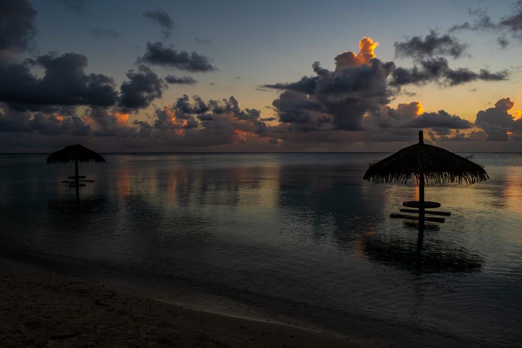 ombrelloni al tramonto