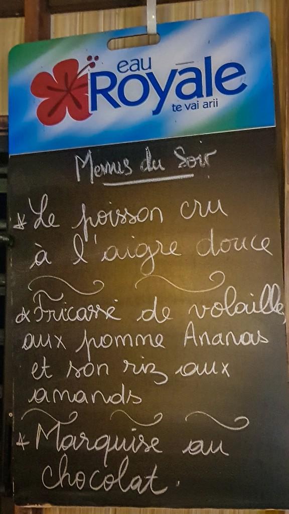 menu scritto a gesso su lavagna