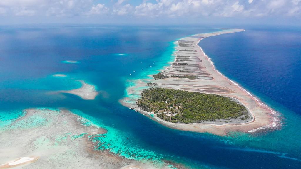vista aerea della passe sud con anello di isole