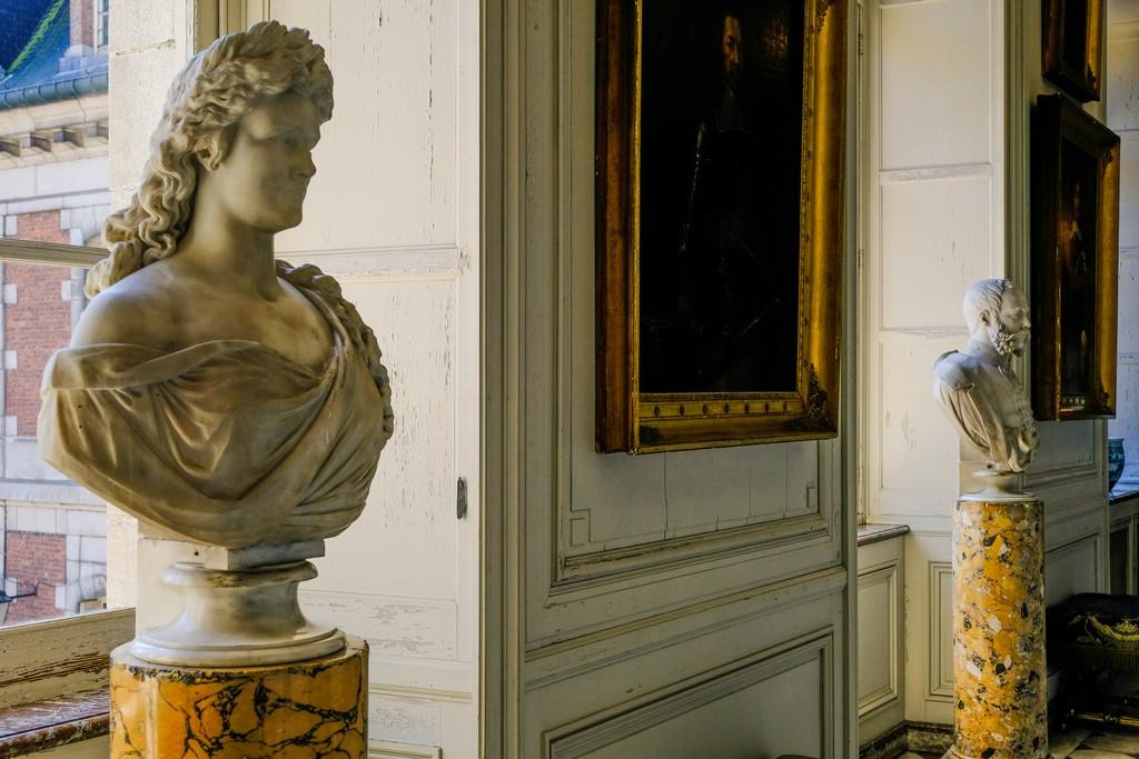 I busti di Franz-Joseph d'Austria e di Sissi nella galleria