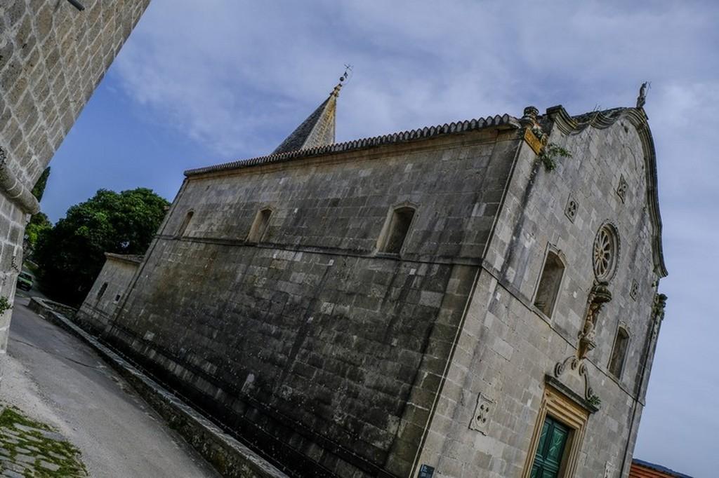 Cosa vedere a Brac: antica chiesa