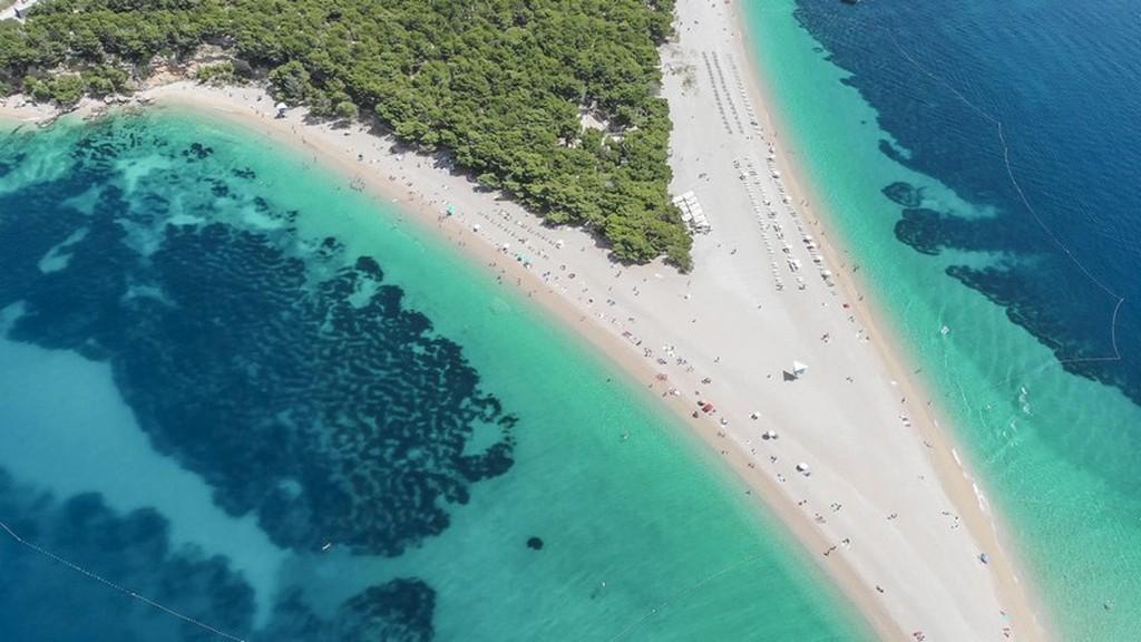 Cosa vedere a Brac: lingua di sabbia che si protende verso il mare
