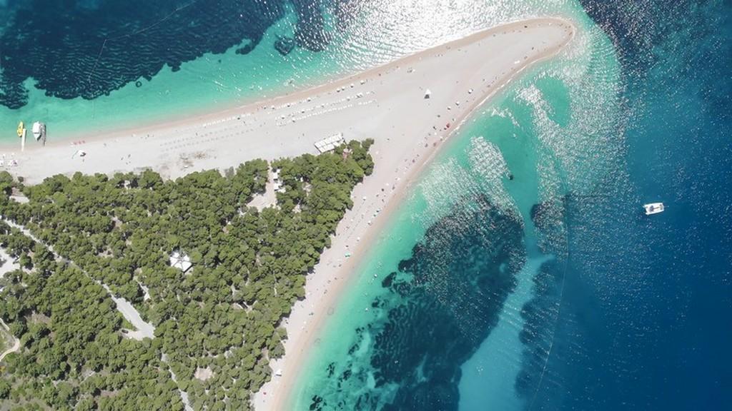 Cosa vedere a Brac: lingua di sabbia protesa verso il mare