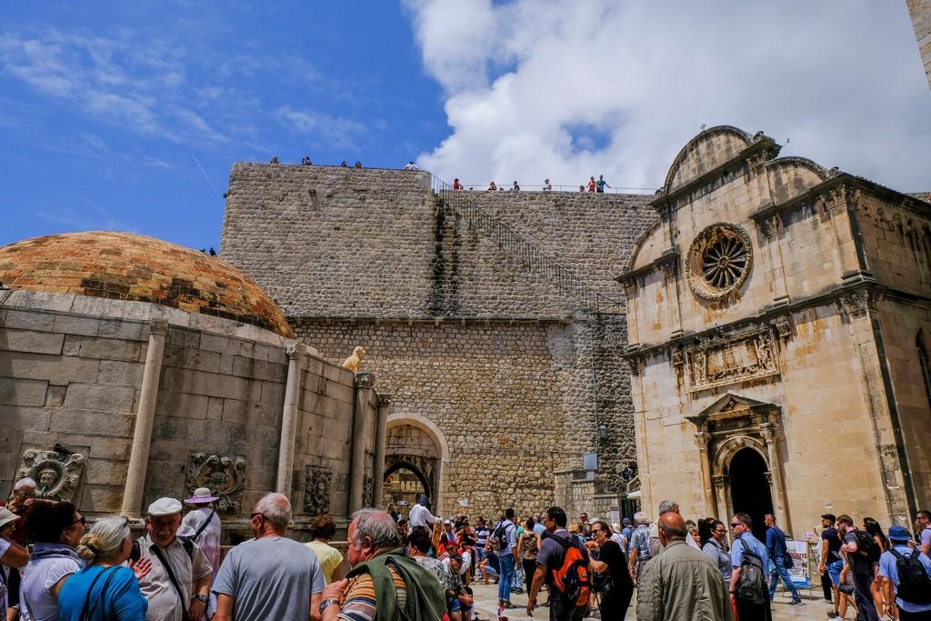 Le mura viste dall'interno all'altezza di Porta Pile