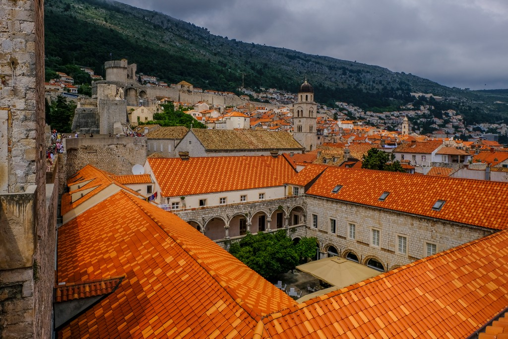 Vista dall'alto del Convento di Santa Chiara col suo chiostro.