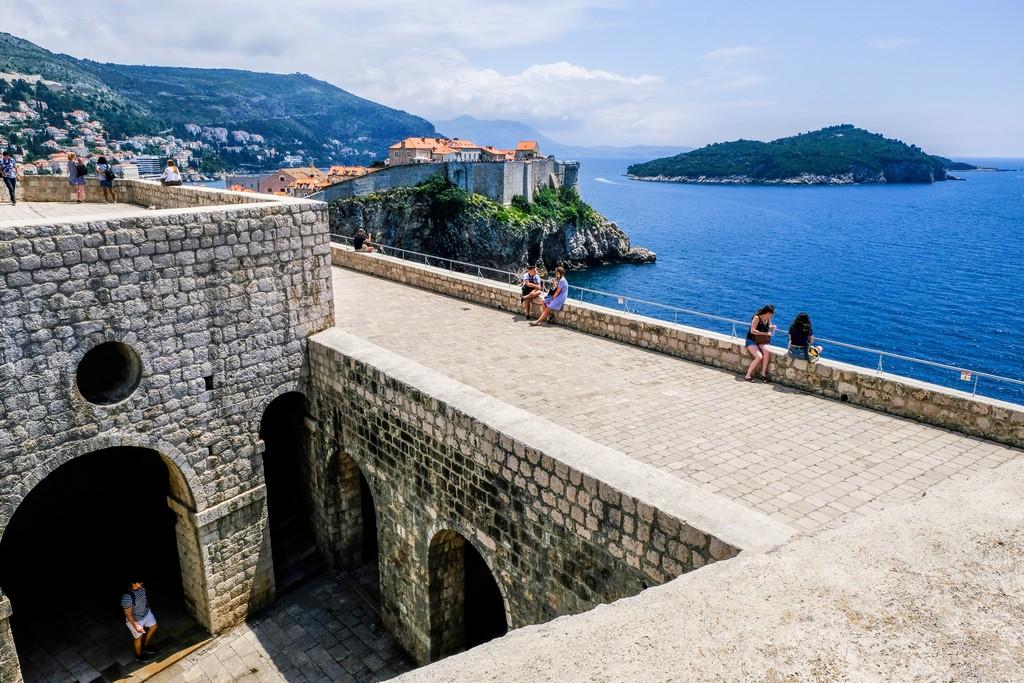 La Fortezza dall'interno con vista su isola