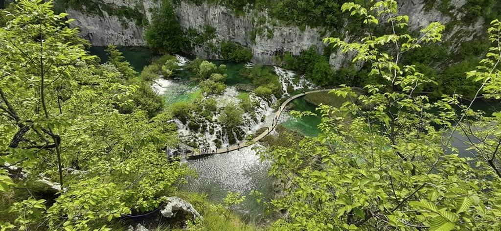 Guida laghi di Plitvice: passerella vista dall'alto