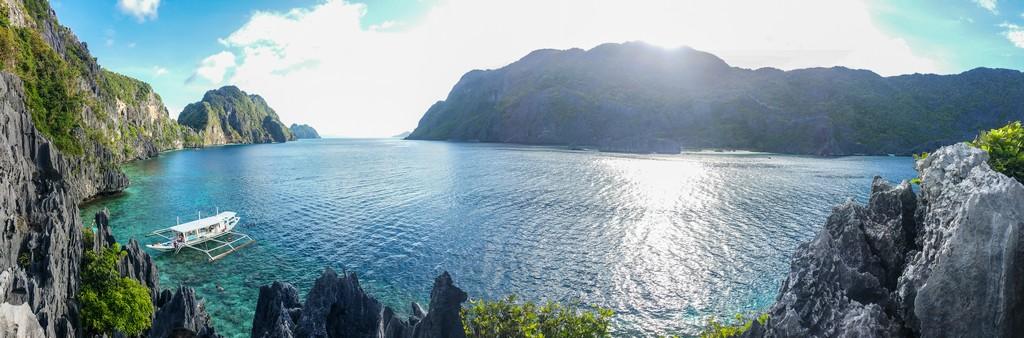 panorama dalla scogliera sul mare