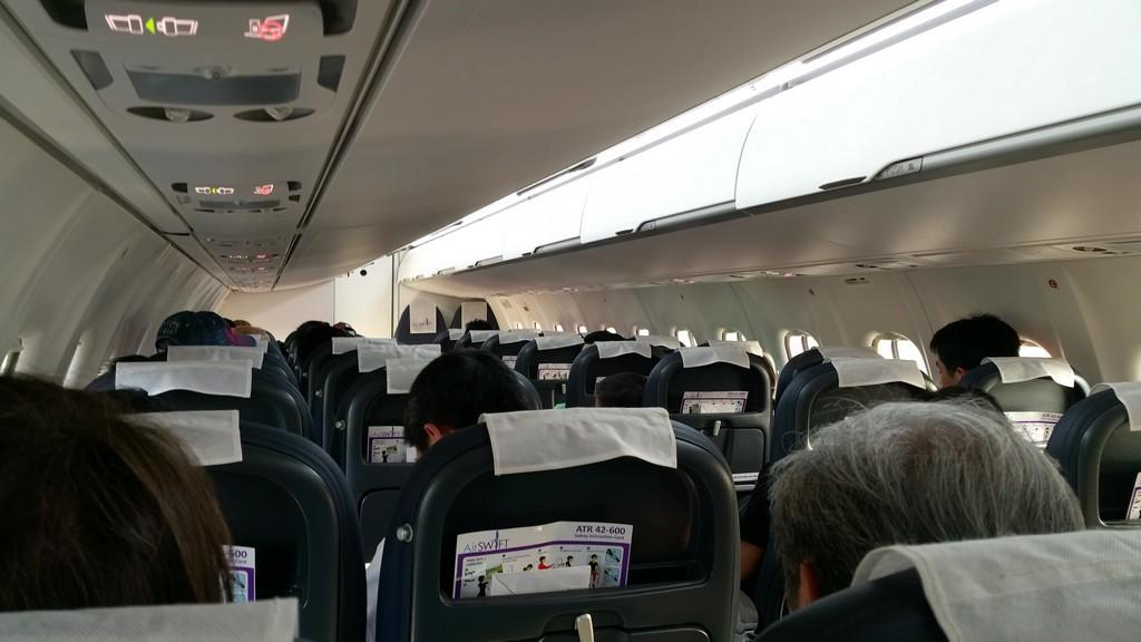 interno di un aereo turboelica