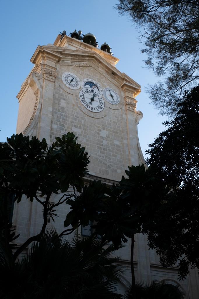 Palazzo del Gran Maestro torre orologio