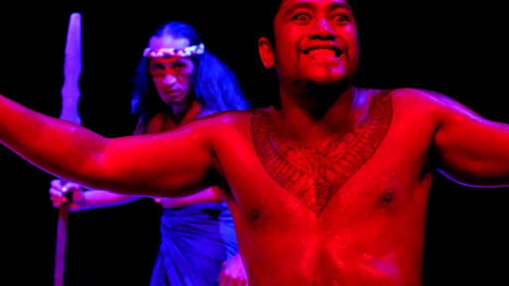 ballerini di danza tahitiana