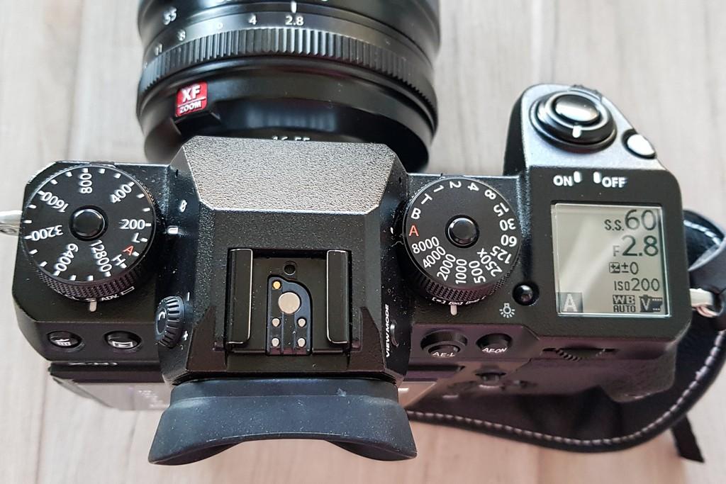 fotocamera mirrorless da sopra