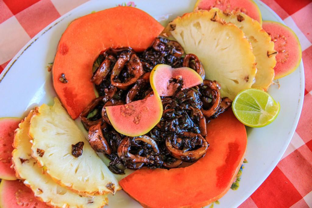 calamari su letto di frutta