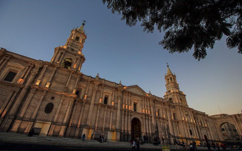 guida ad arequipa Tramonto sulla Cattedrale di Arequipa
