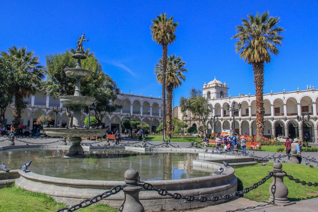 Guida ad Arequipa La fontana centrale di Plaza de Armas