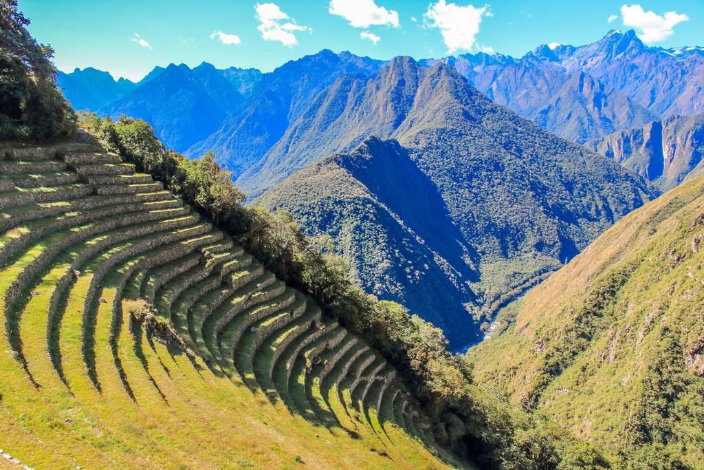 terrazzamenti sul costone della montagna