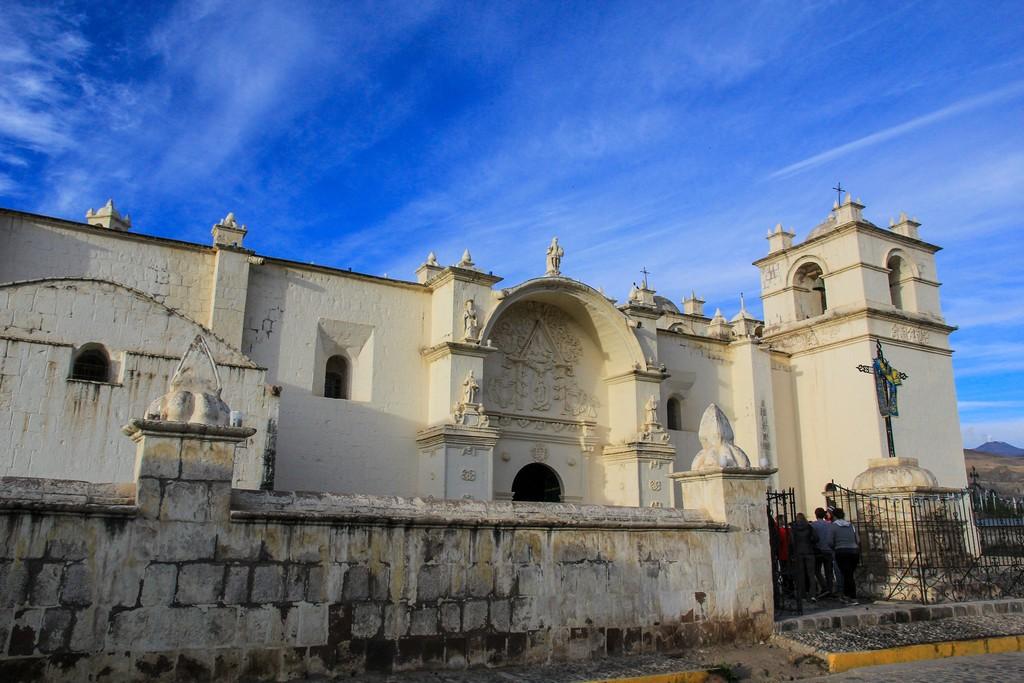 La chiesa del villaggio di Yanque