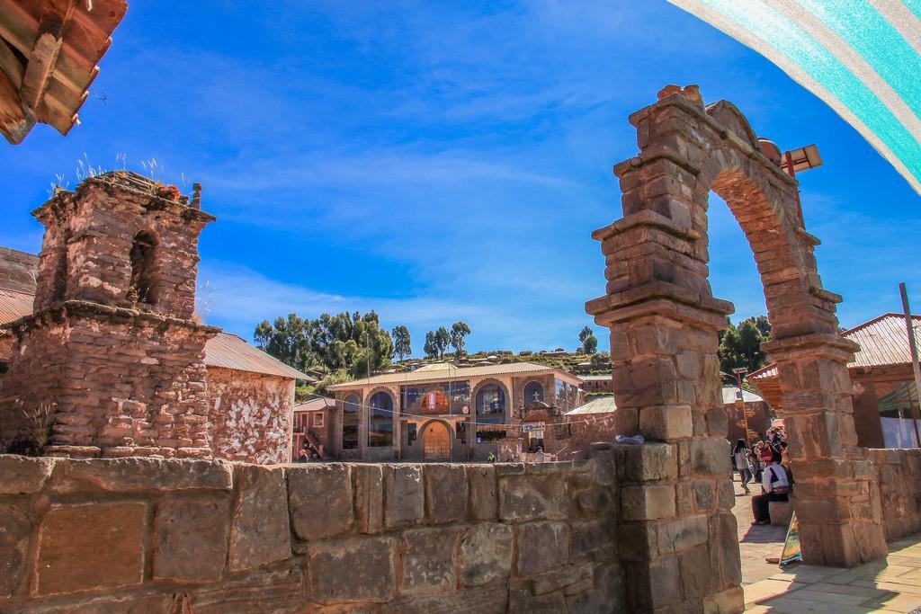 La piazza principale di Taquile dal terrazzino del Restaurante Comunal