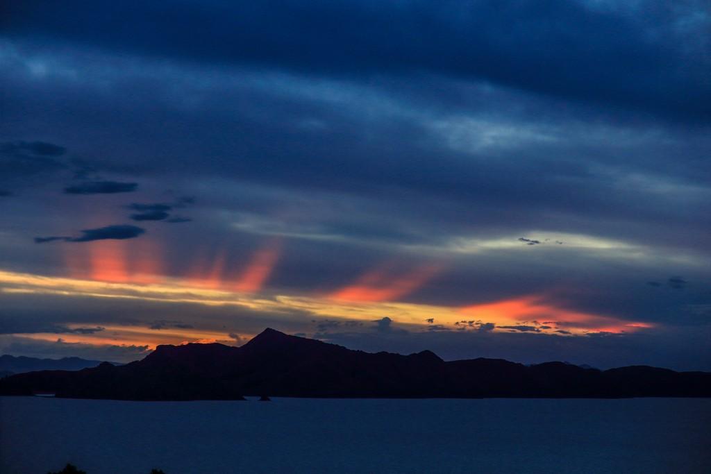 Il tramonto su Amantani