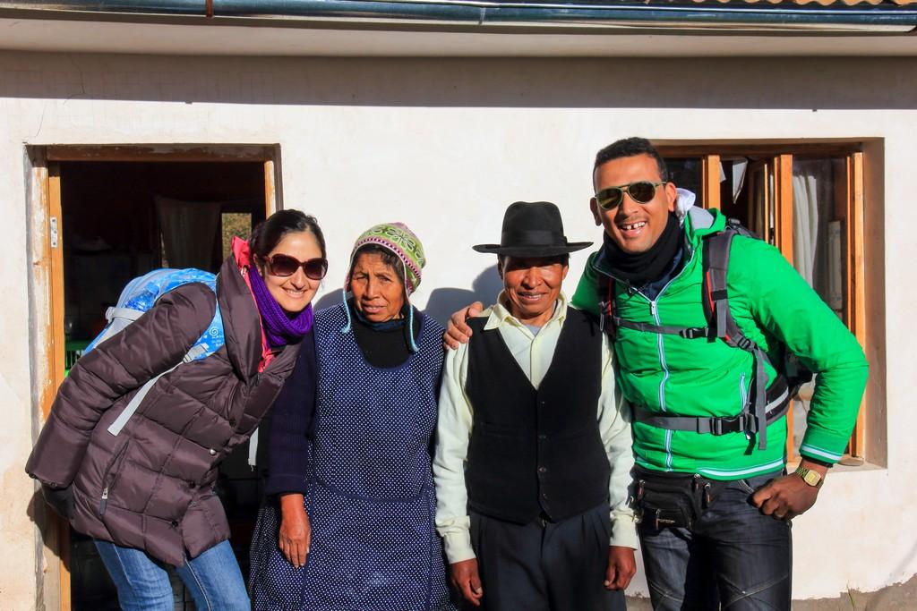 Juaná y Eduardo davanti alla loro cucina