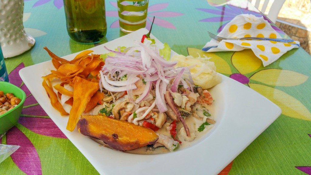 come organizzare un viaggio in Perù Il ceviche di La Tia Fela a Lagunillas