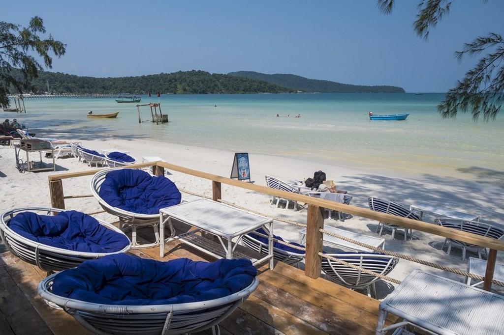 10 cose da fare a Koh Rong Samloem divanetti sul mare
