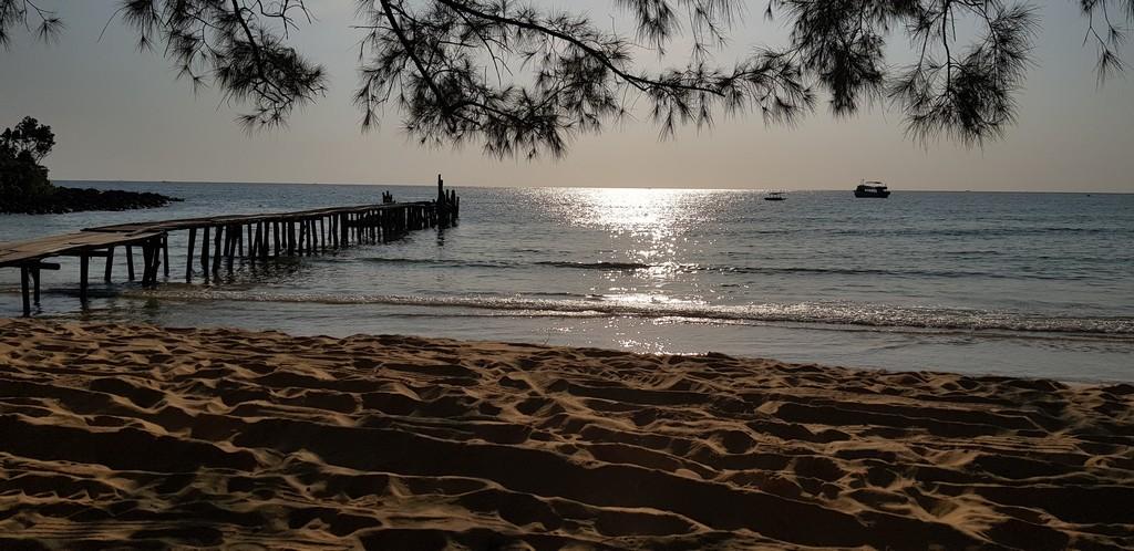 10 cose da fare a Koh Rong Samloem tramonto sul mare dalla spiaggia