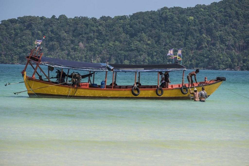 barca tradizionale in mare