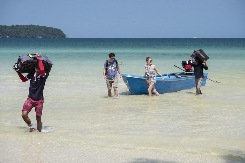 Dove dormire a Koh Rong Samloem arrivo in spiaggia con la barca