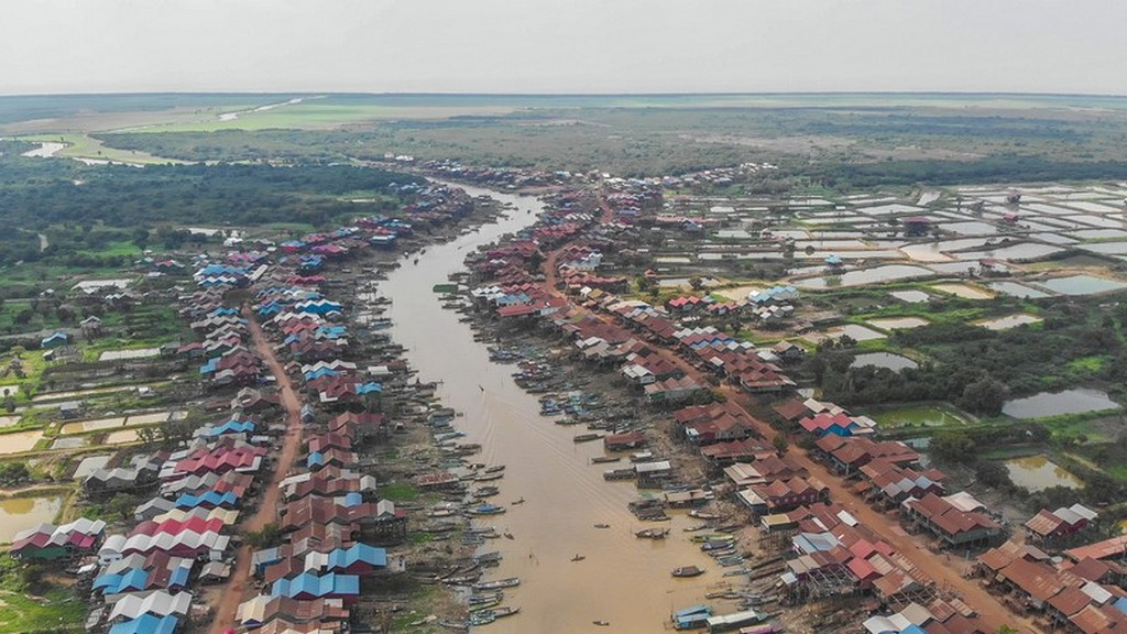 come visitare Kompong Khleang vista aerea del fiume