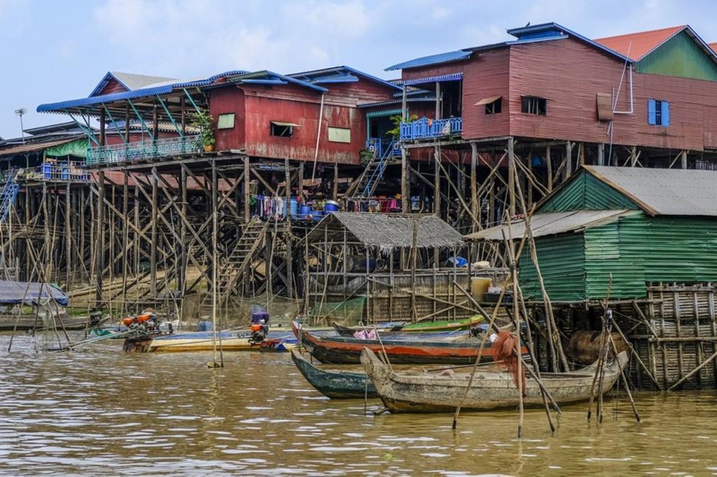 come visitare Kompong Khleang palafitte sull'acqua e barche