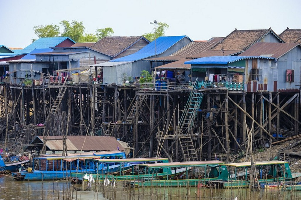 come visitare Kompong Khleang  case su palafitte sul lago