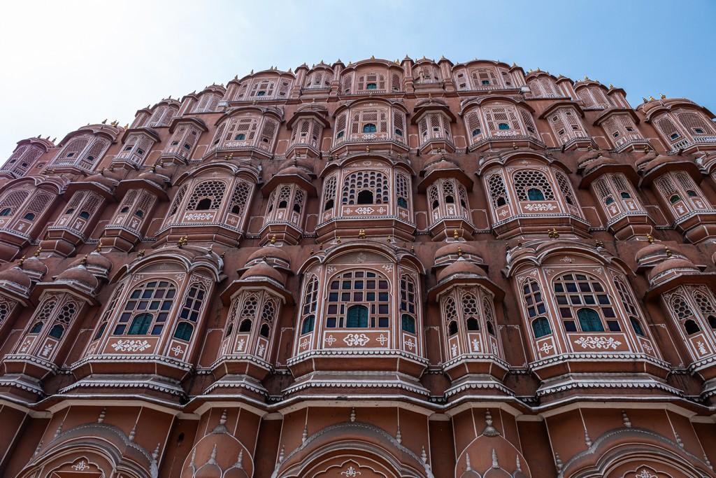 Impressioni a caldo in India facciata di un palazzo rosa