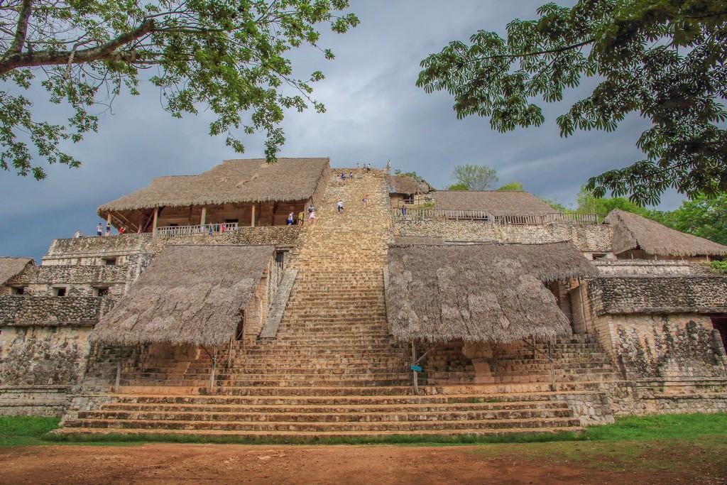 Visita a Ek Balam La piramide di Ek Balam
