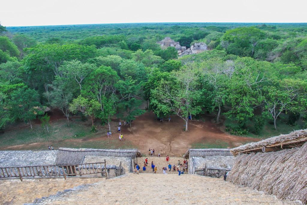 Visita a Ek Balam vista dall'alto della scalinata