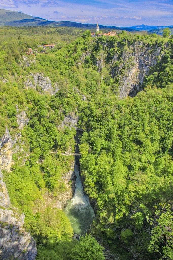 Guida alle grotte di San Canziano vista panoramica della vallata