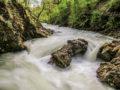 il tempo di scatto in fotografia rapide nel fiume