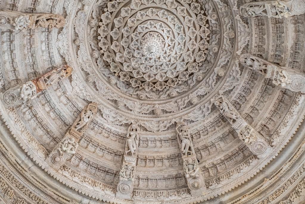 Visita ai templi di Ranakpur cupola intarsiata