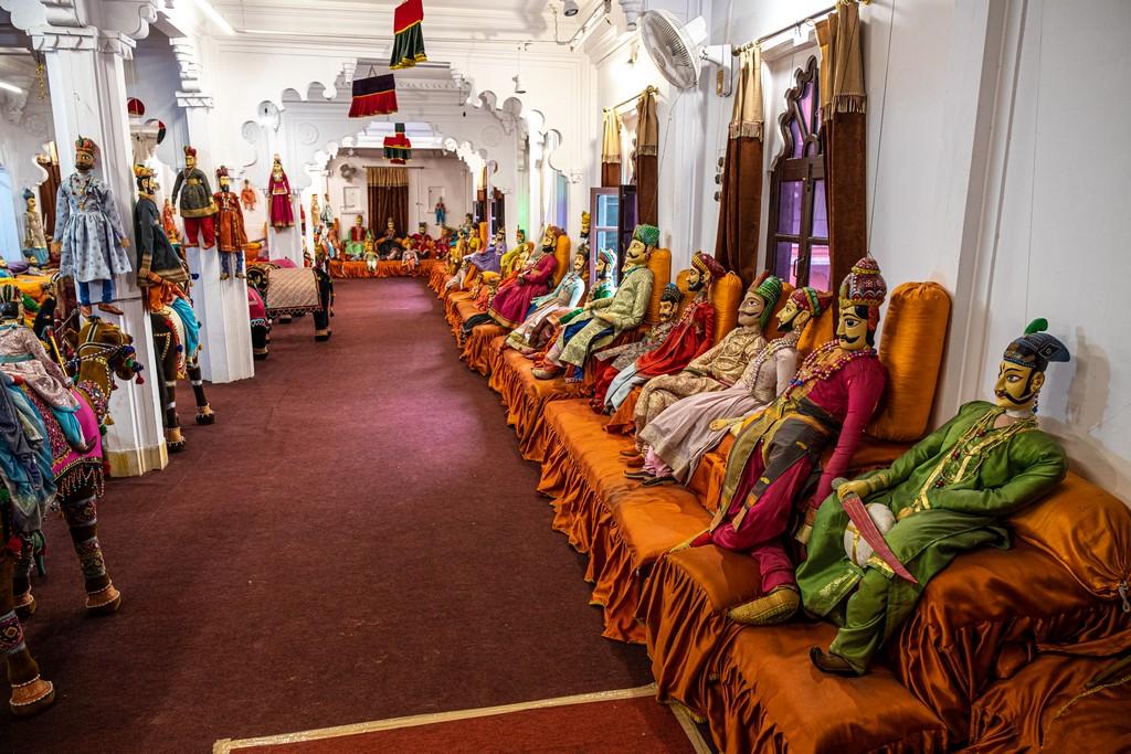 Visita alla Bagore ki Haveli marionette indiane