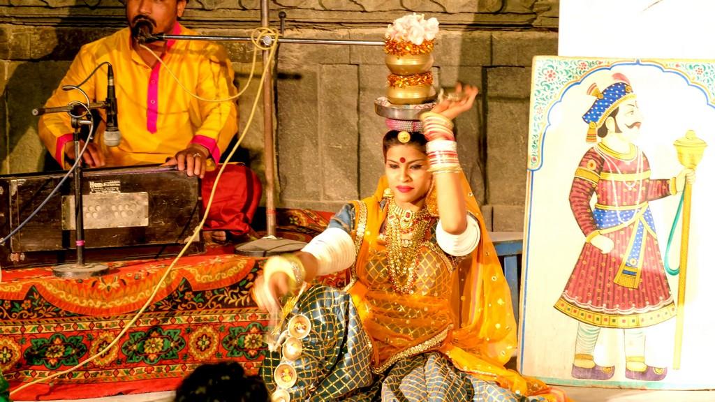 Danze tradizionali del Rajasthan ballerina del Rajasthan