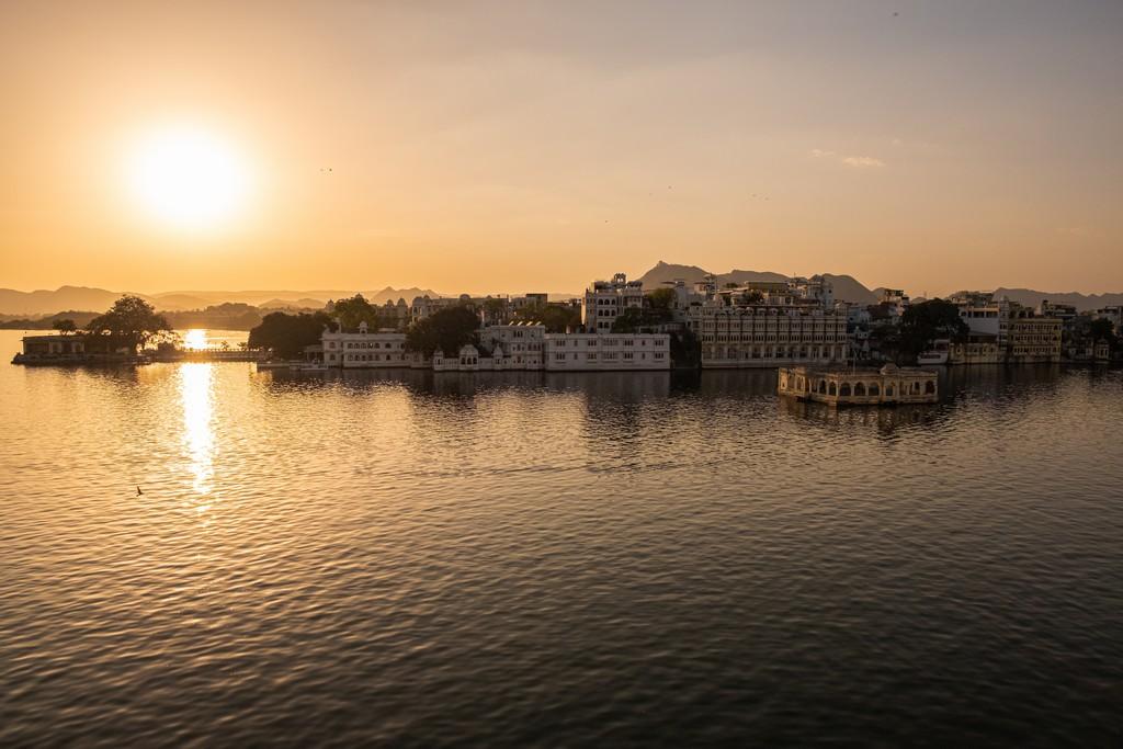10 motivi per visitare Udaipur tramonto su udaipur