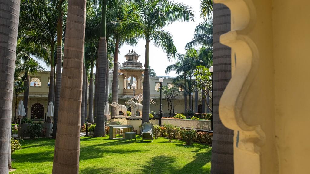 vista del giardino di un hotel storico
