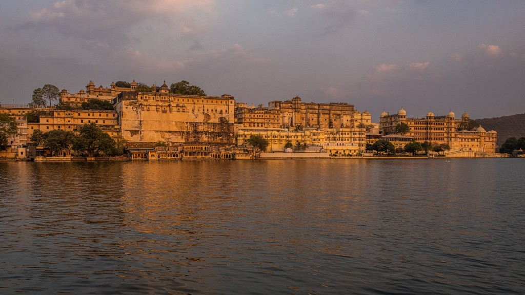 5 cose da fare a Udaipur tramonto sul city palace